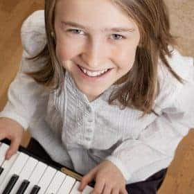 Starting a music lesson might fun in the beginning, but it might cause boredom when they have joined for acertain period of time. Here are some tips on how to motivate children to keep learning music. #MusicStudy #Arts #LearningMotivation #homeschool | music study | Learning motivation | parenting